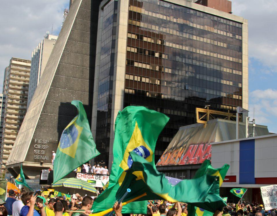 Manifestação pró-Bolsonaro. Certíssimo!